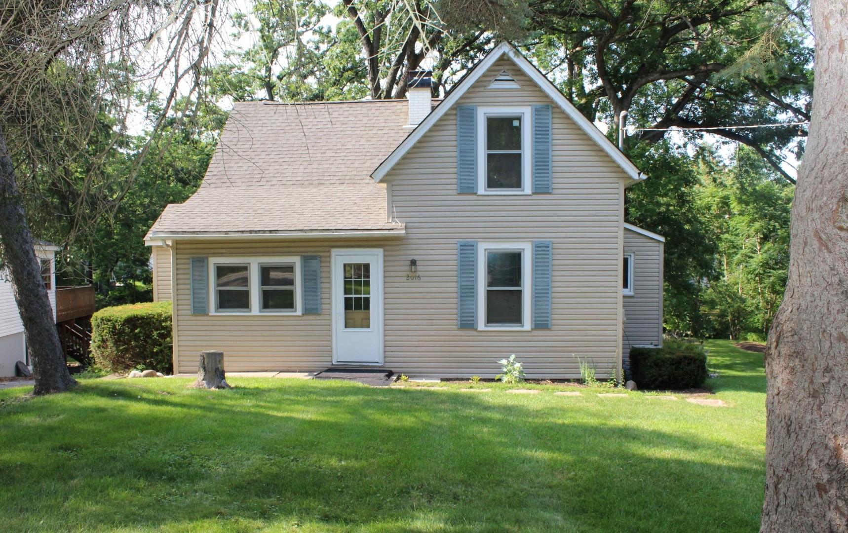 2016 Grove Lane, Cary, IL 60013