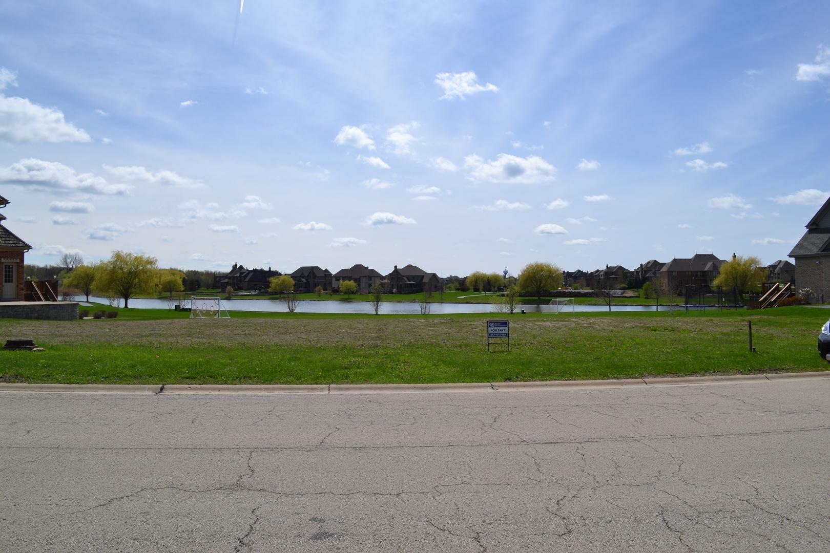 39w187 Long Meadow Lane, St. Charles, IL 60175