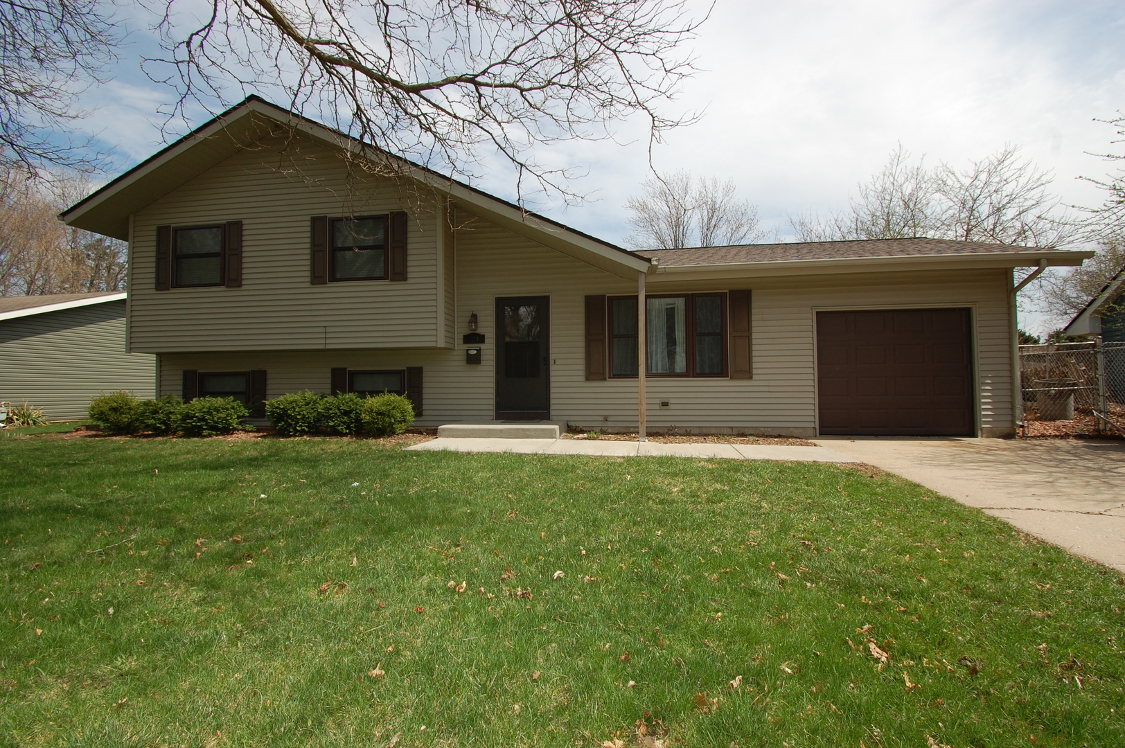 839 Teverton Lane, Crystal Lake, IL 60014