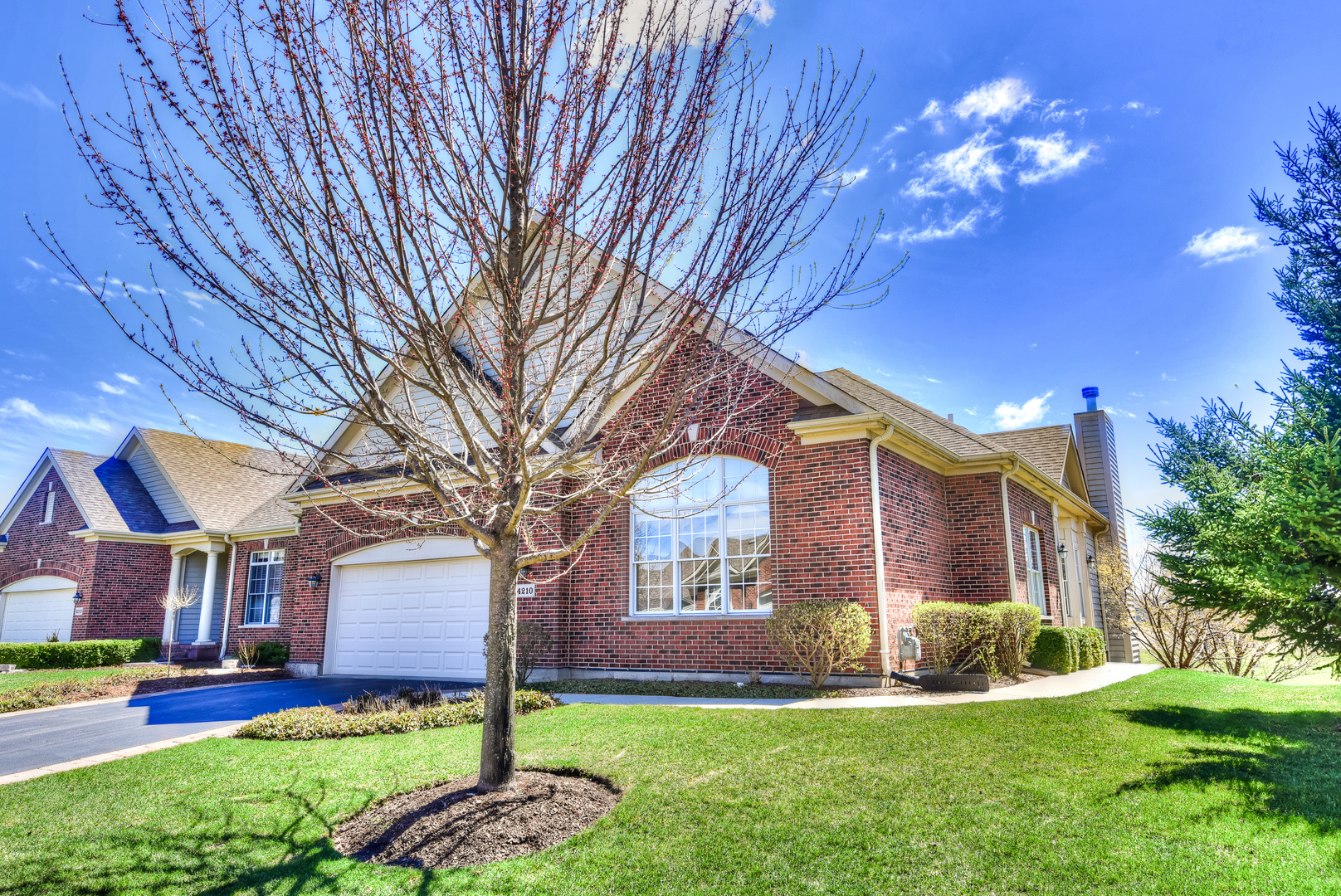 4210 Coyote Lakes Circle, Lake In The Hills, IL 60156