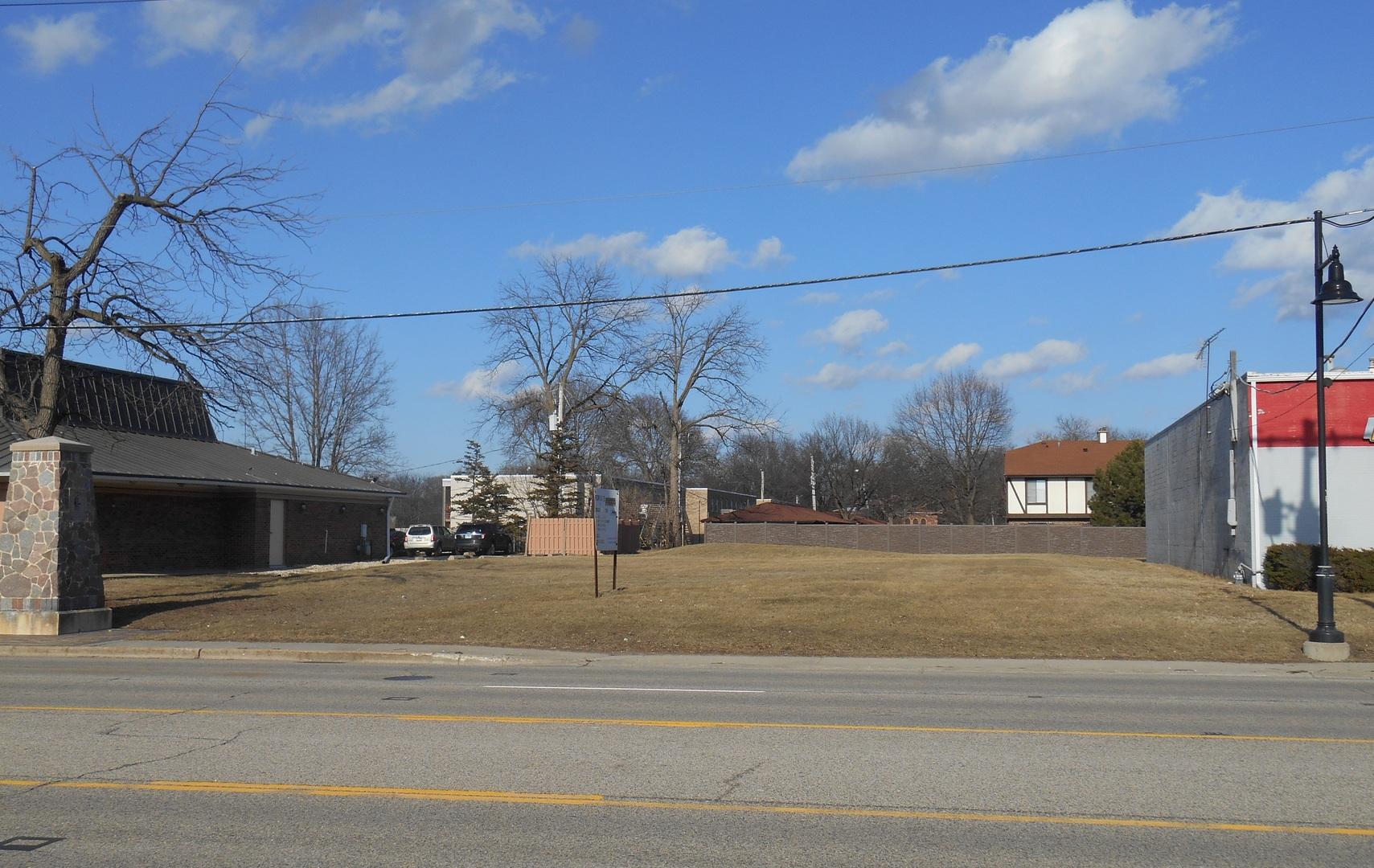 270 W Virginia Street, Crystal Lake, IL 60014