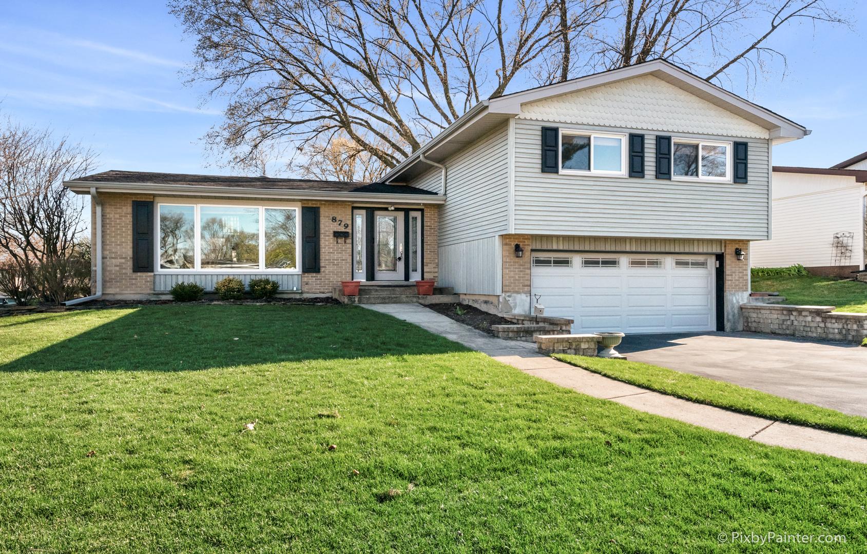 879 Lilac Way, Lombard, IL 60148