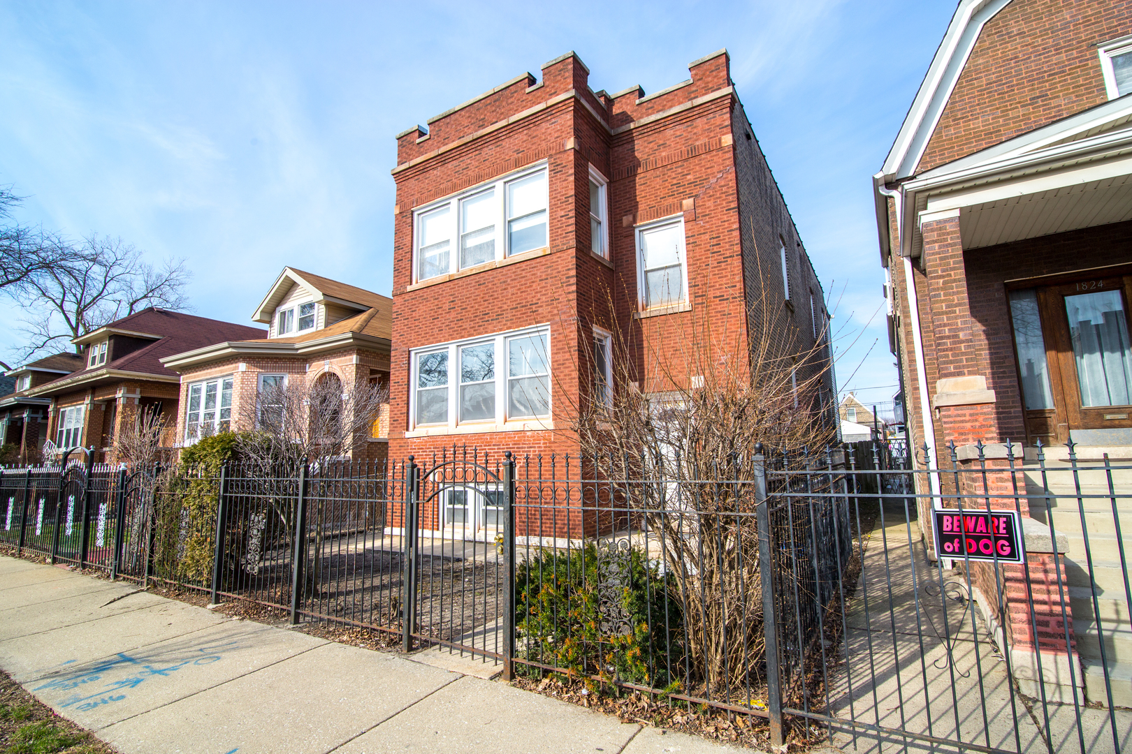 1820 N Harding Avenue, Chicago, IL 60647