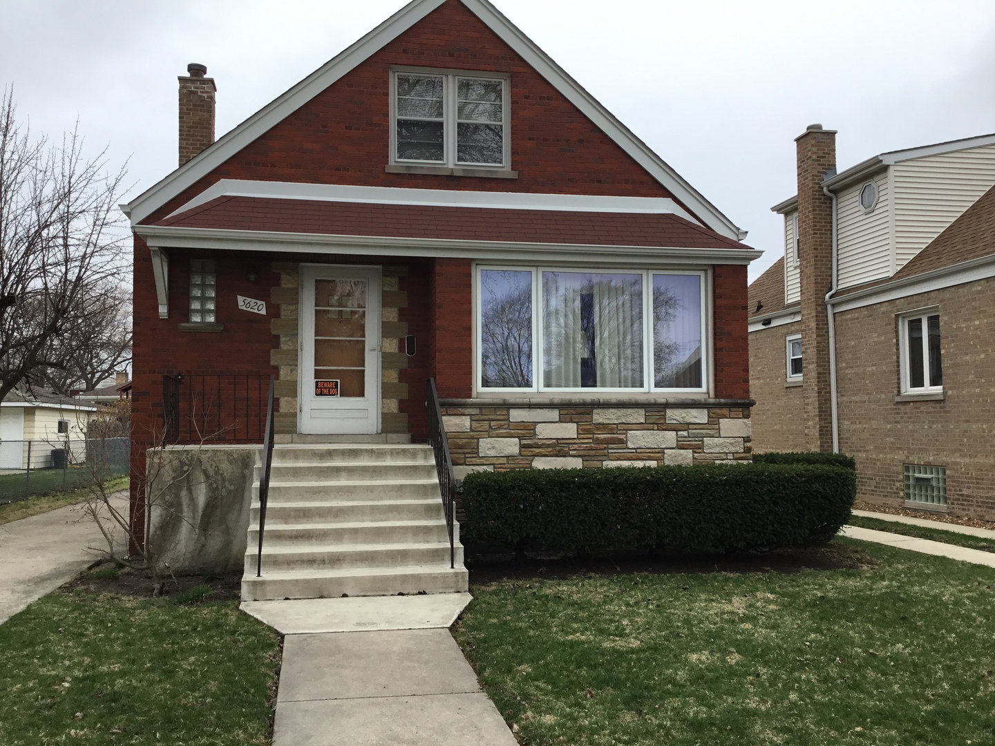 5620 S Natoma Avenue, Chicago, IL 60638