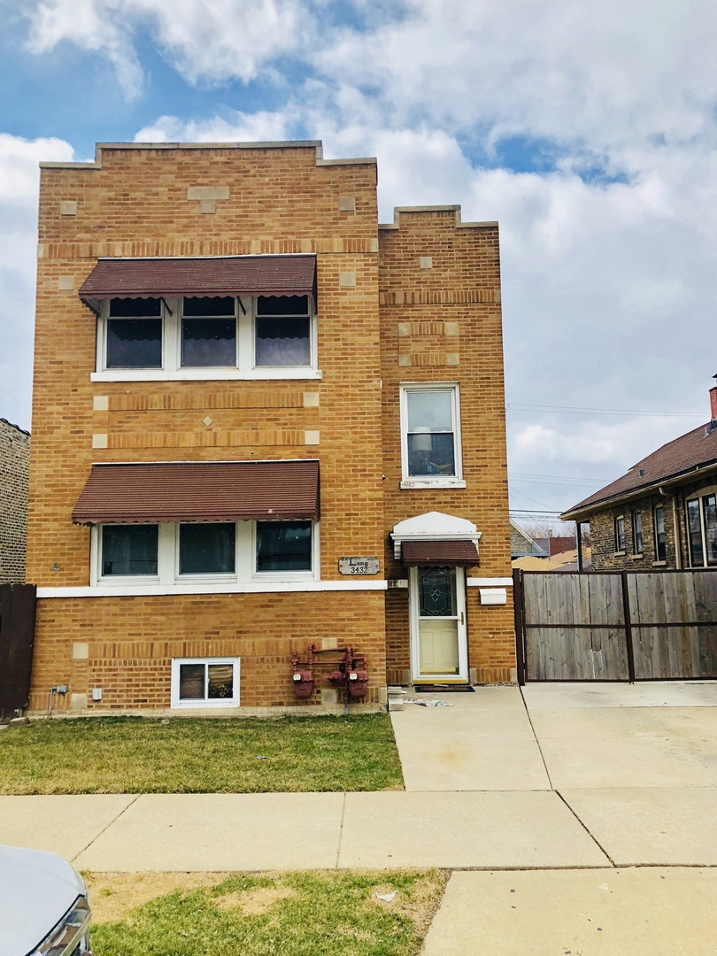 3432 S Oakley Avenue, Chicago, IL 60608