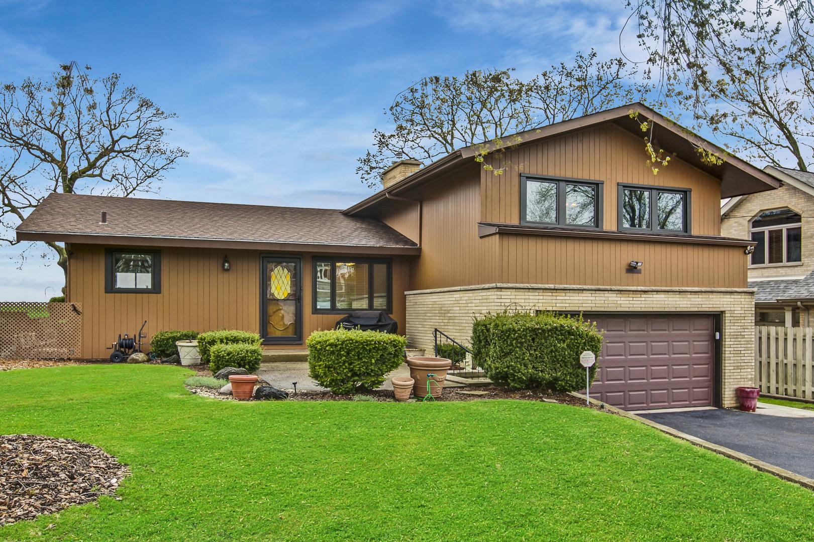 25334 W Columbia Bay Drive, Lake Villa, IL 60046