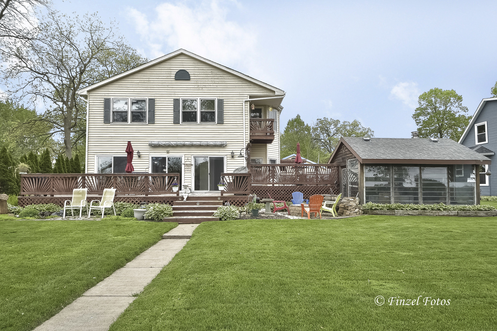 1619 N Woodlawn Park Avenue, Mchenry, IL 60051