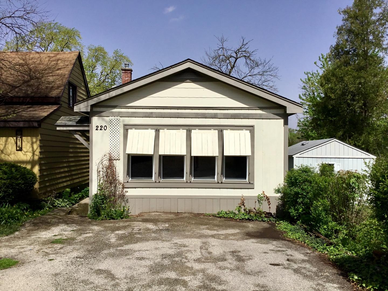 220 N River Road N, Fox River Grove, IL 60021