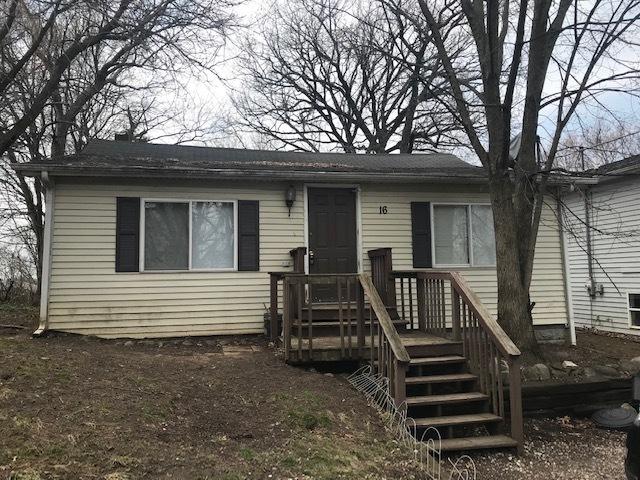 16 Hillcrest Avenue, Fox Lake, IL 60020