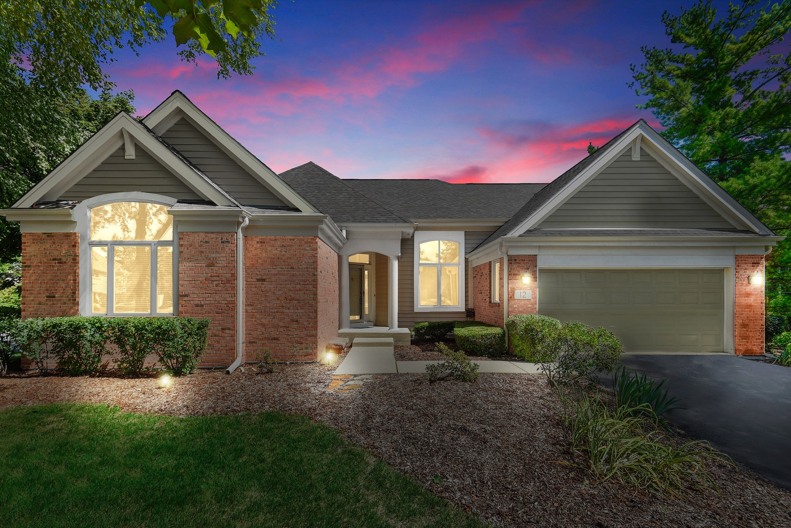 12 Canterbury Court, Lake In The Hills, IL 60156