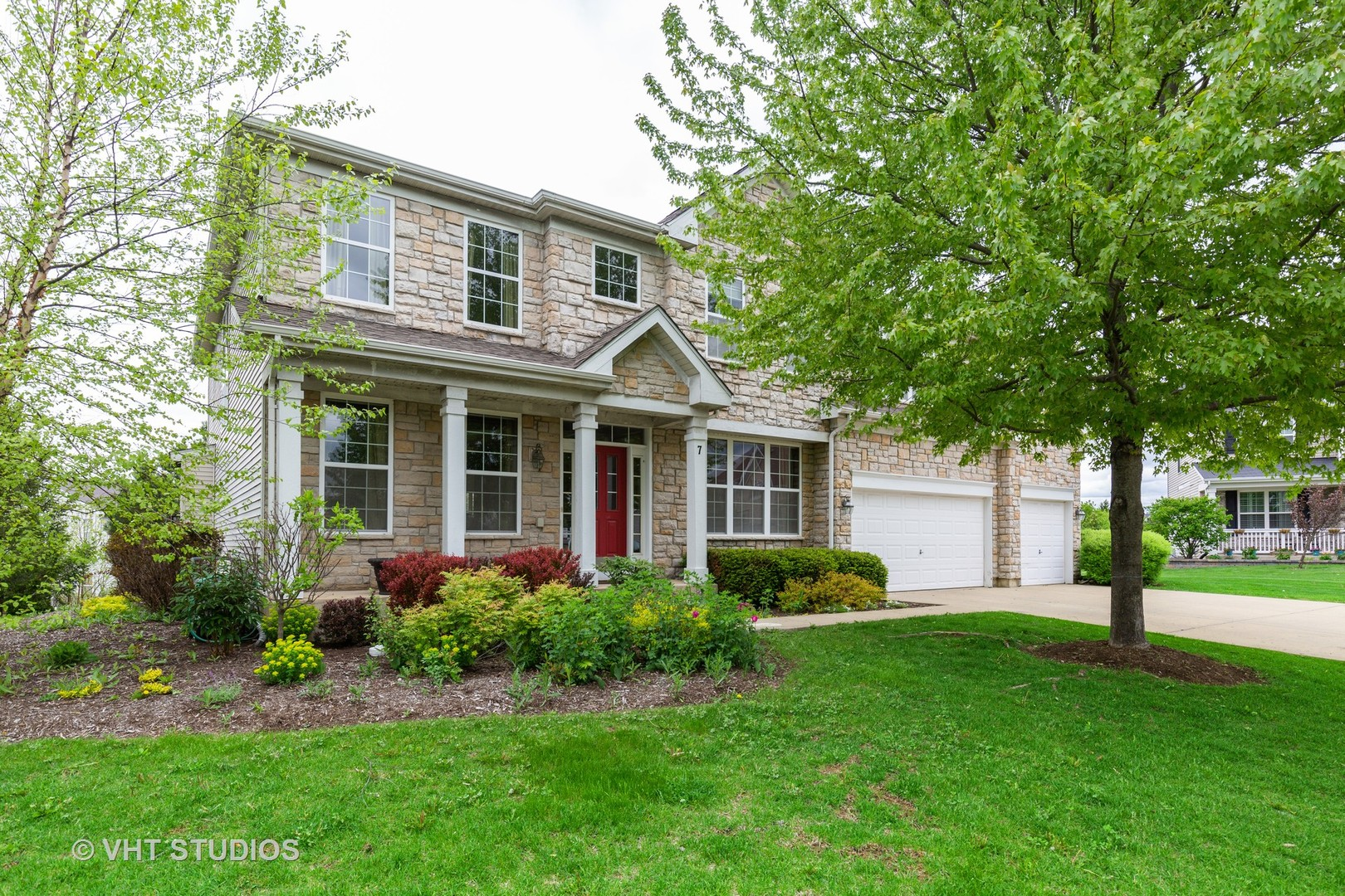 7 Birchwood Court, Lake In The Hills, IL 60156
