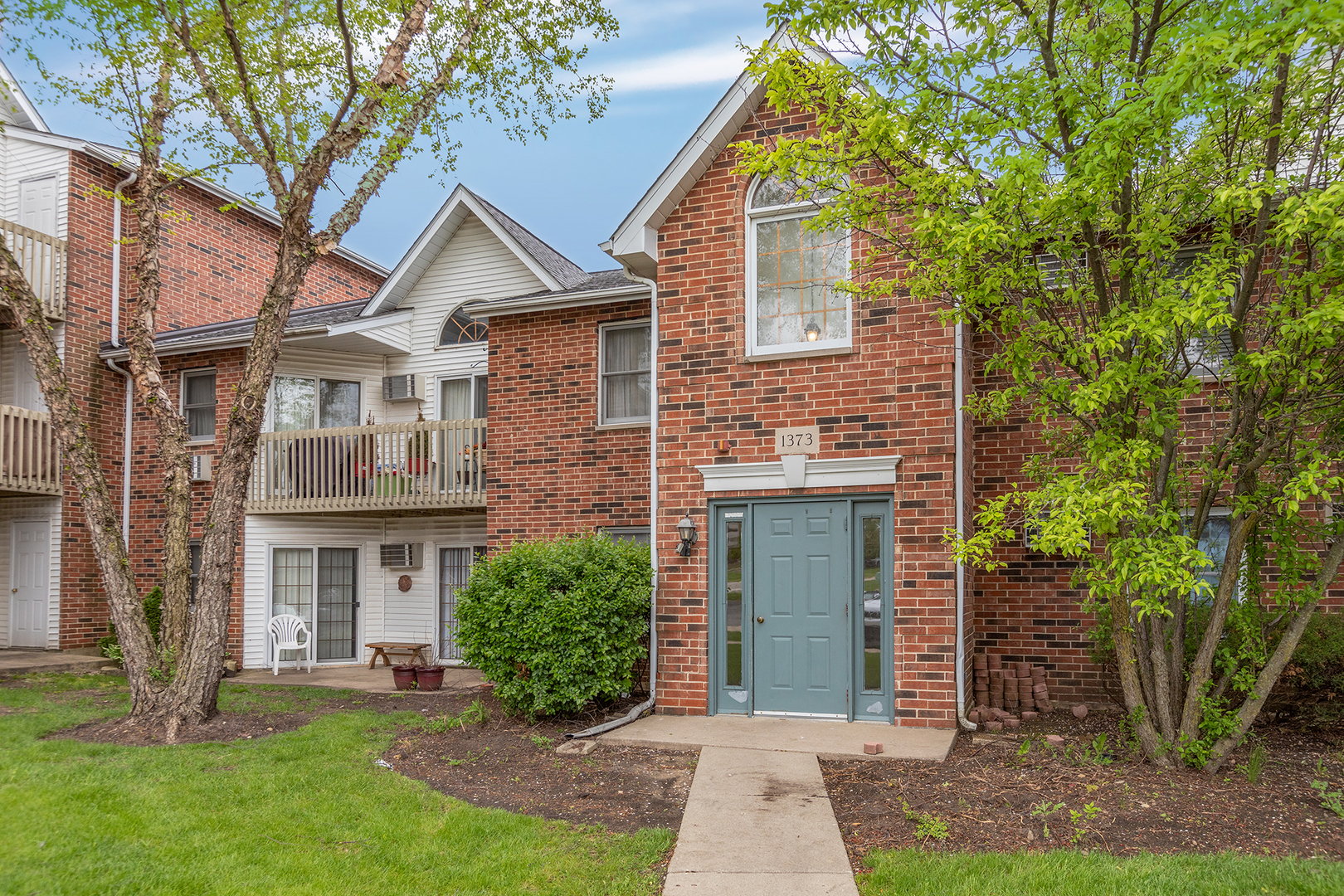1373 Cunat Court, Lake In The Hills, IL 60156