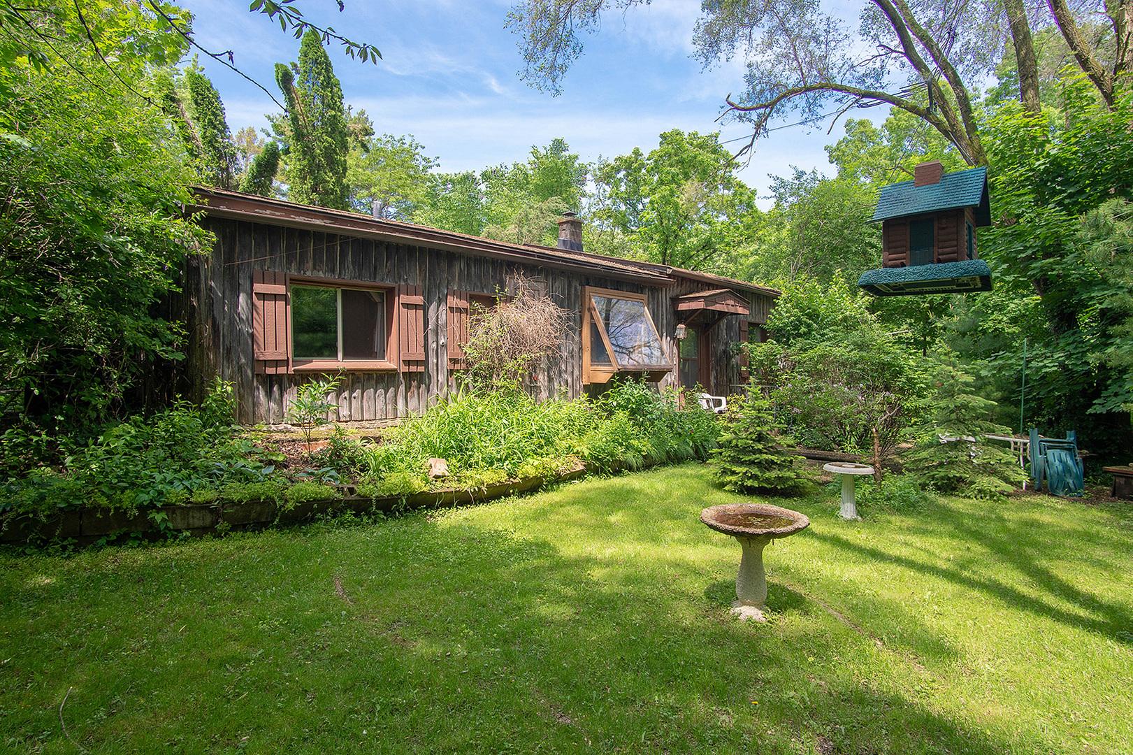 9717 Wolf Road, Fox River Grove, IL 60021