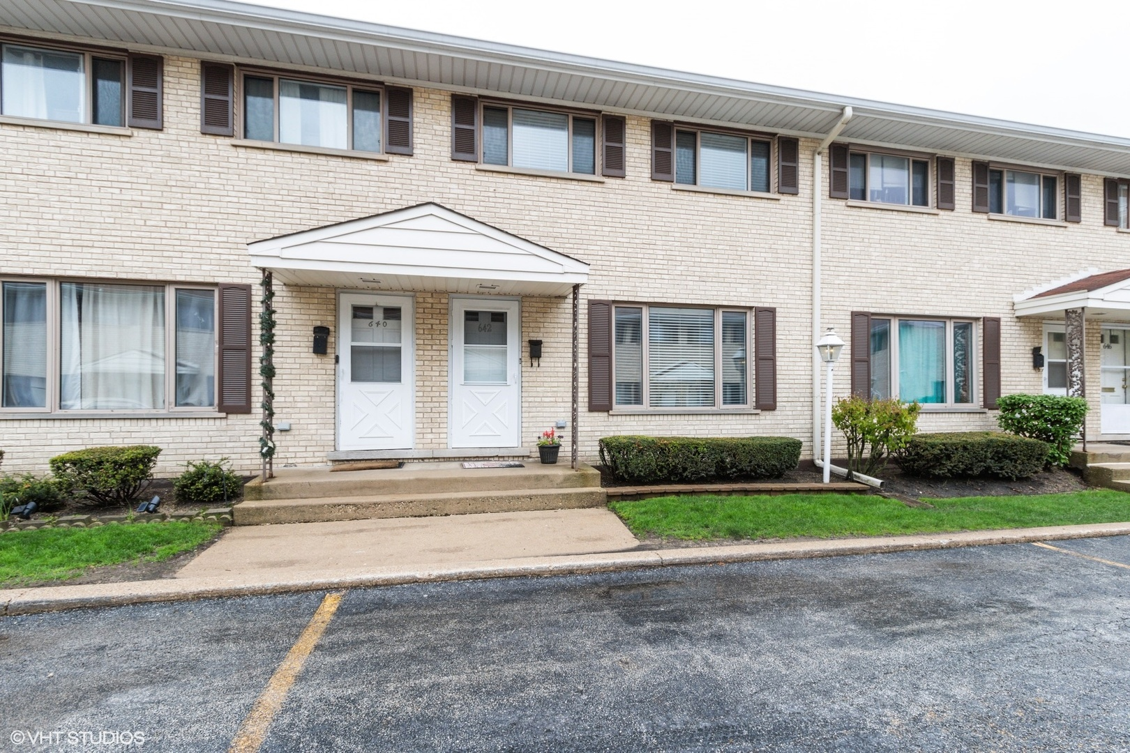 642 W Central Road, Arlington Heights, IL 60005