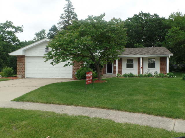 1020 Chesterfield Court, Mchenry, IL 60050