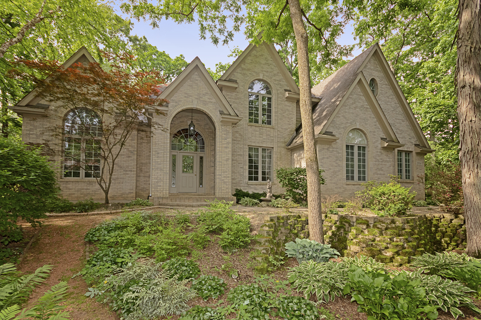 2708 Whiting Court, Mchenry, IL 60050