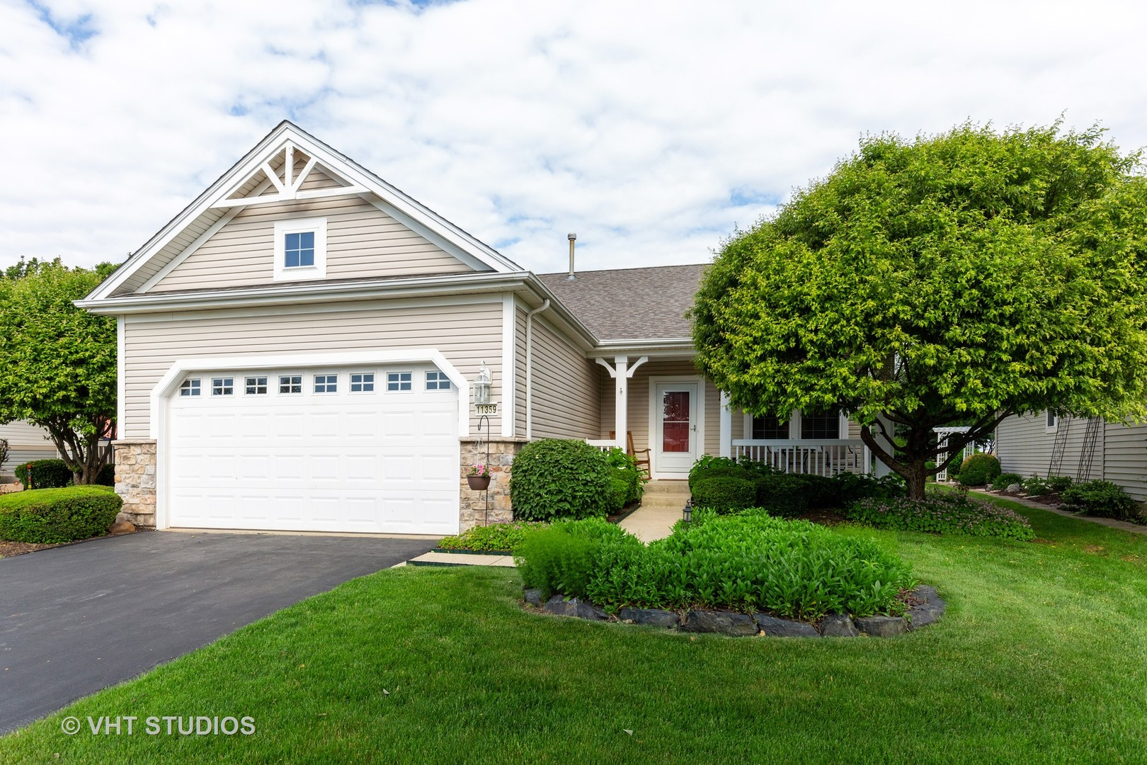 11359 Stonewater Crossing, Huntley, IL 60142