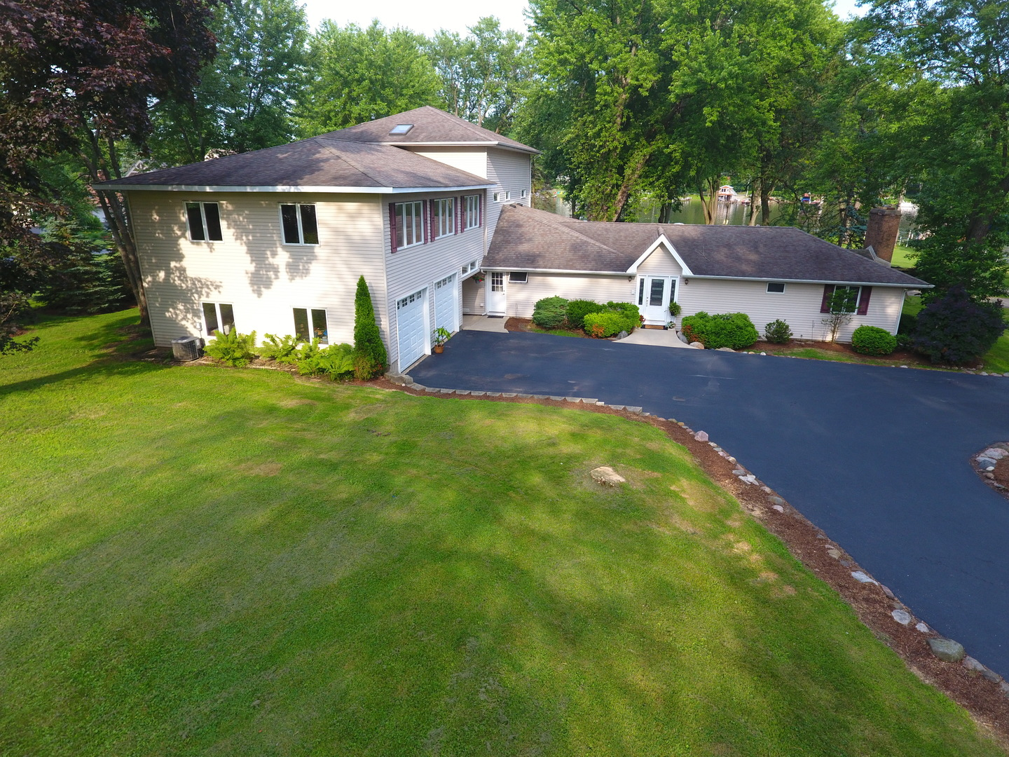 1705 Heather Drive, Algonquin, IL 60102