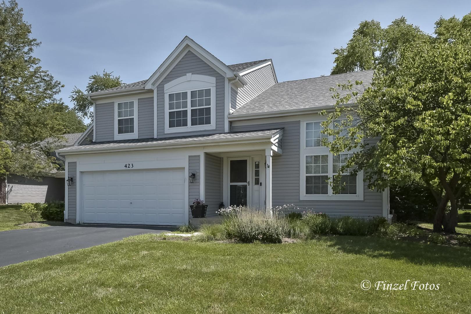 423 Geneva Lane, Cary, IL 60013