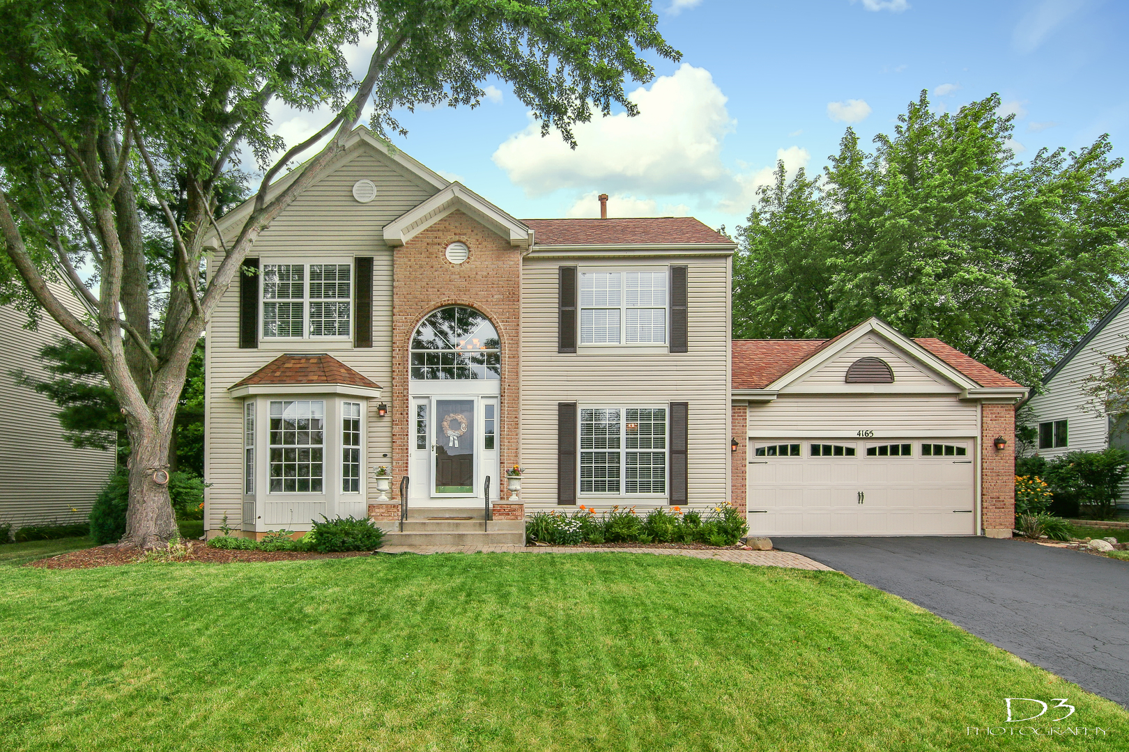 4165 Peartree Drive, Lake In The Hills, IL 60156