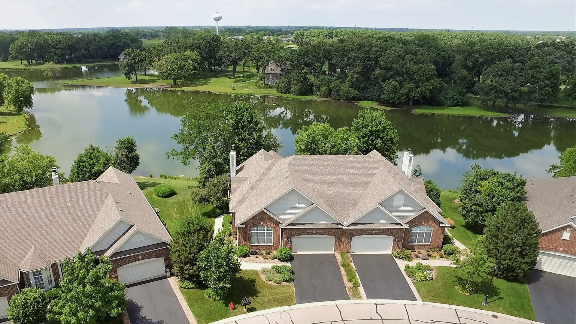 4073 Honeymoon Ridge, Lake In The Hills, IL 60156
