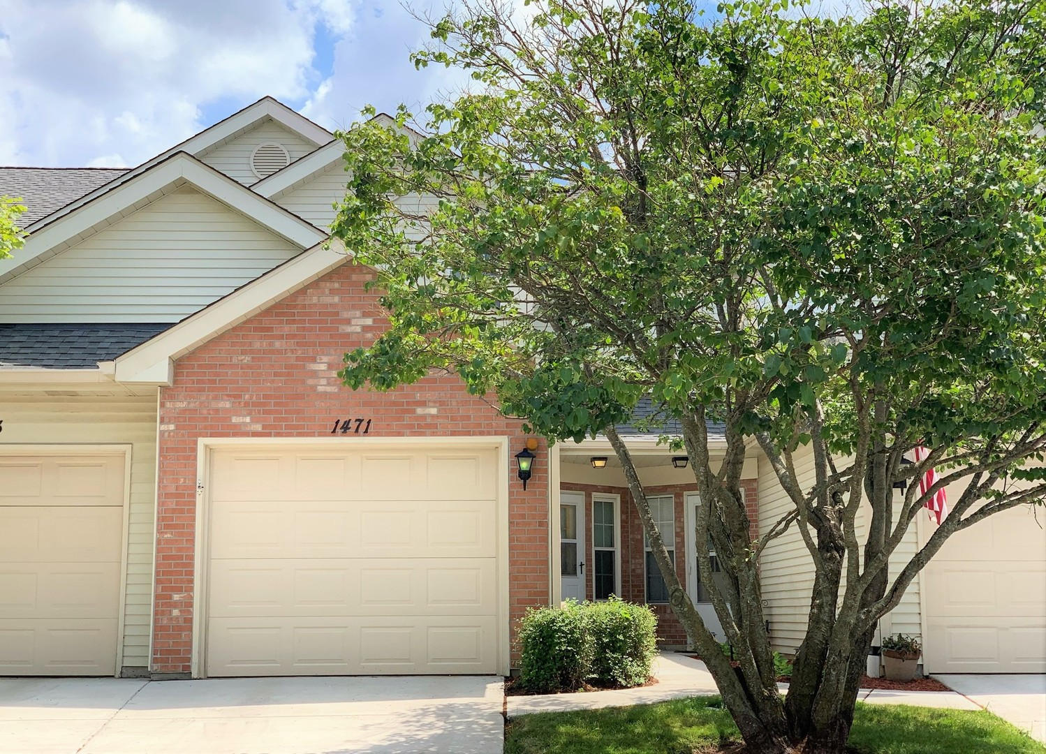 1471 Golfview Drive, Glendale Heights, IL 60139