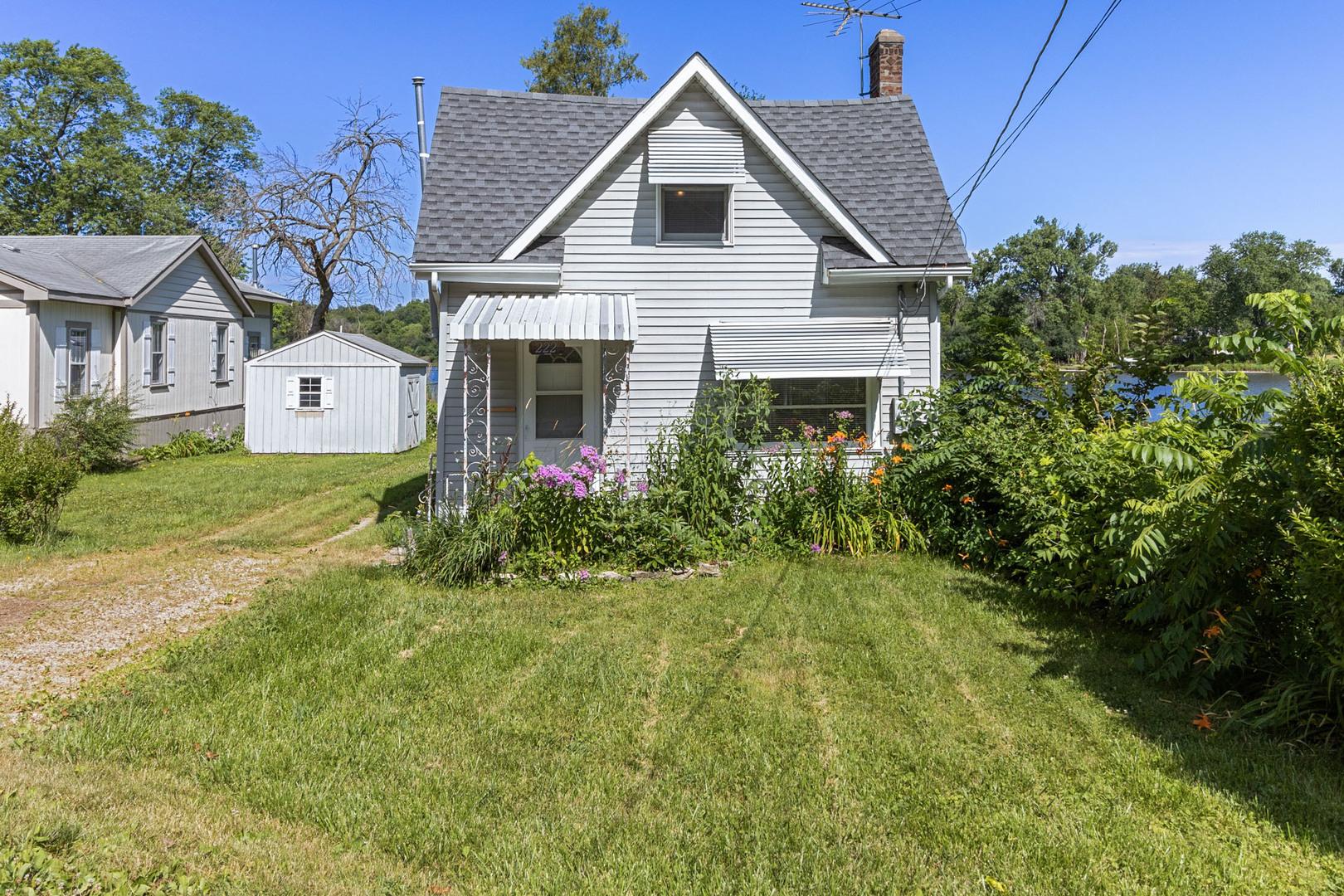 222 N River Road N, Fox River Grove, IL 60021