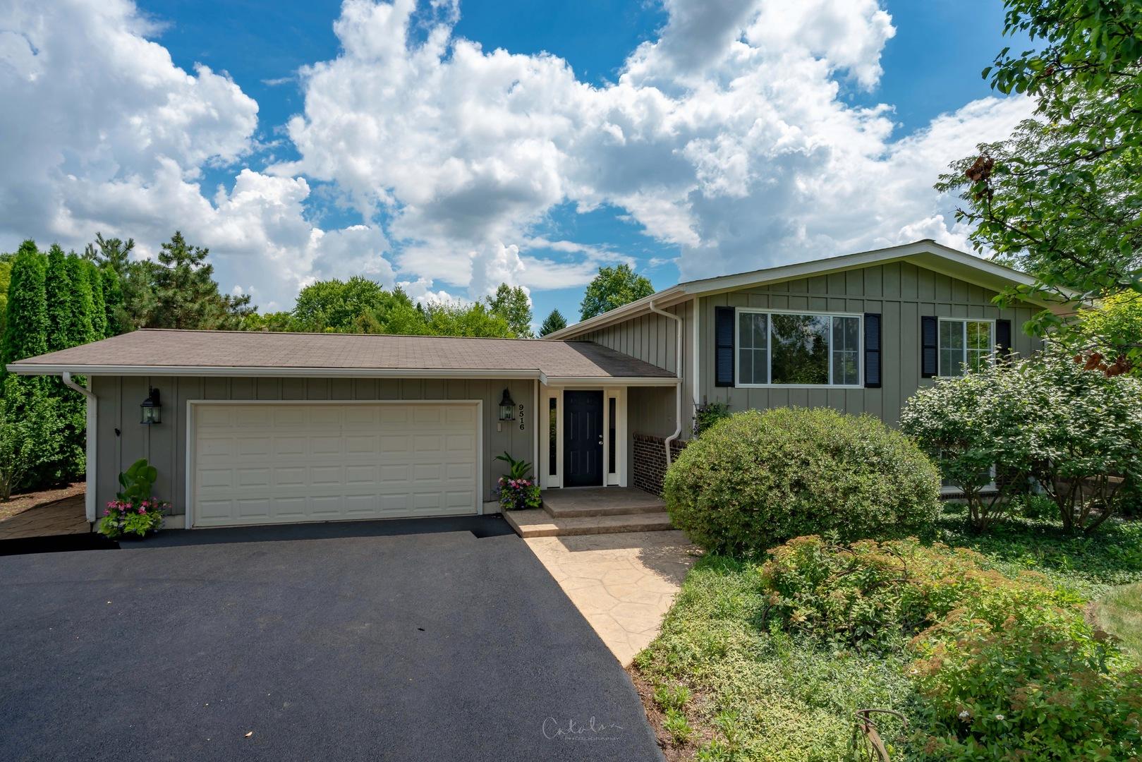 9516 Beech Avenue, Crystal Lake, IL 60014