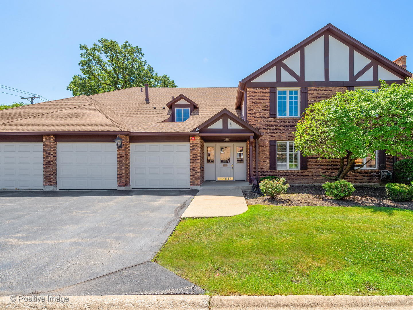 5818 Wolf Road, Western Springs, IL 60558