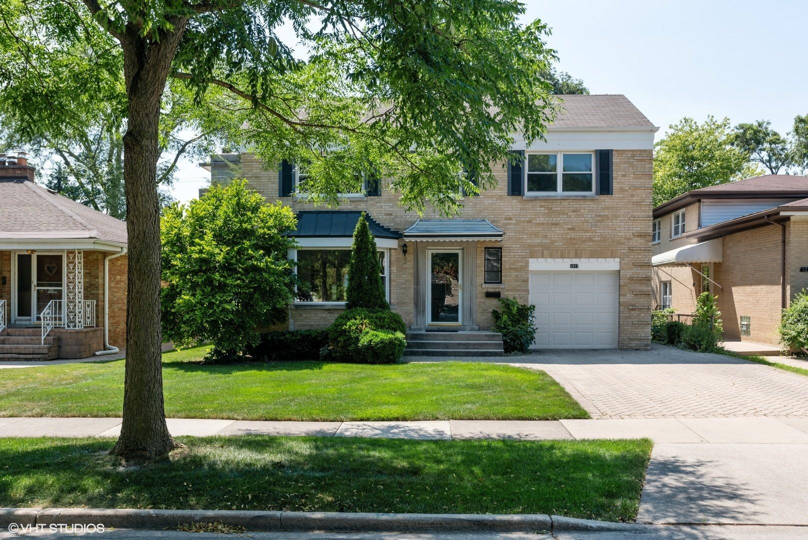 1217 N Marion Street, Oak Park, IL 60302