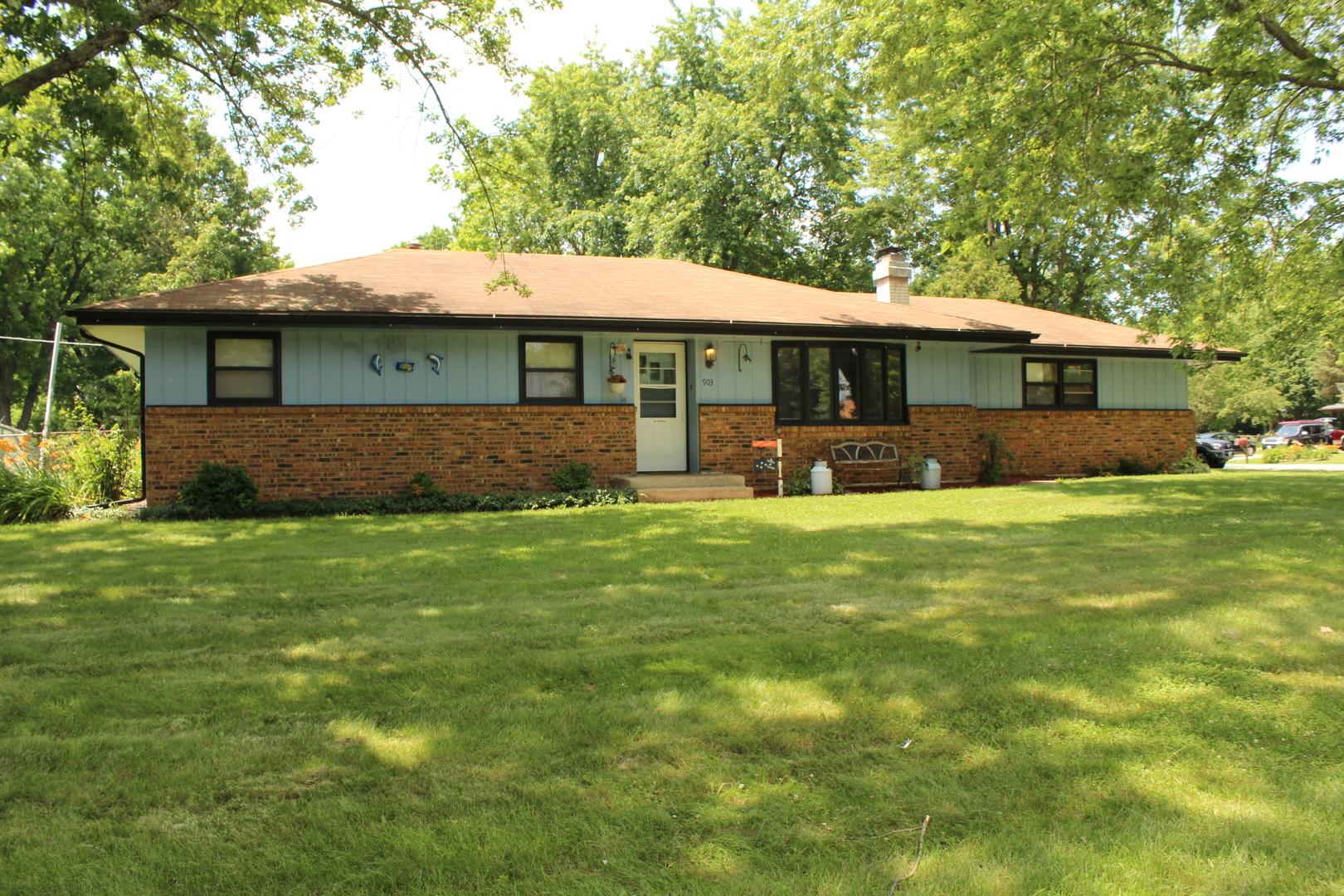 903 Hollybrook Drive, Machesney Park, IL 61115