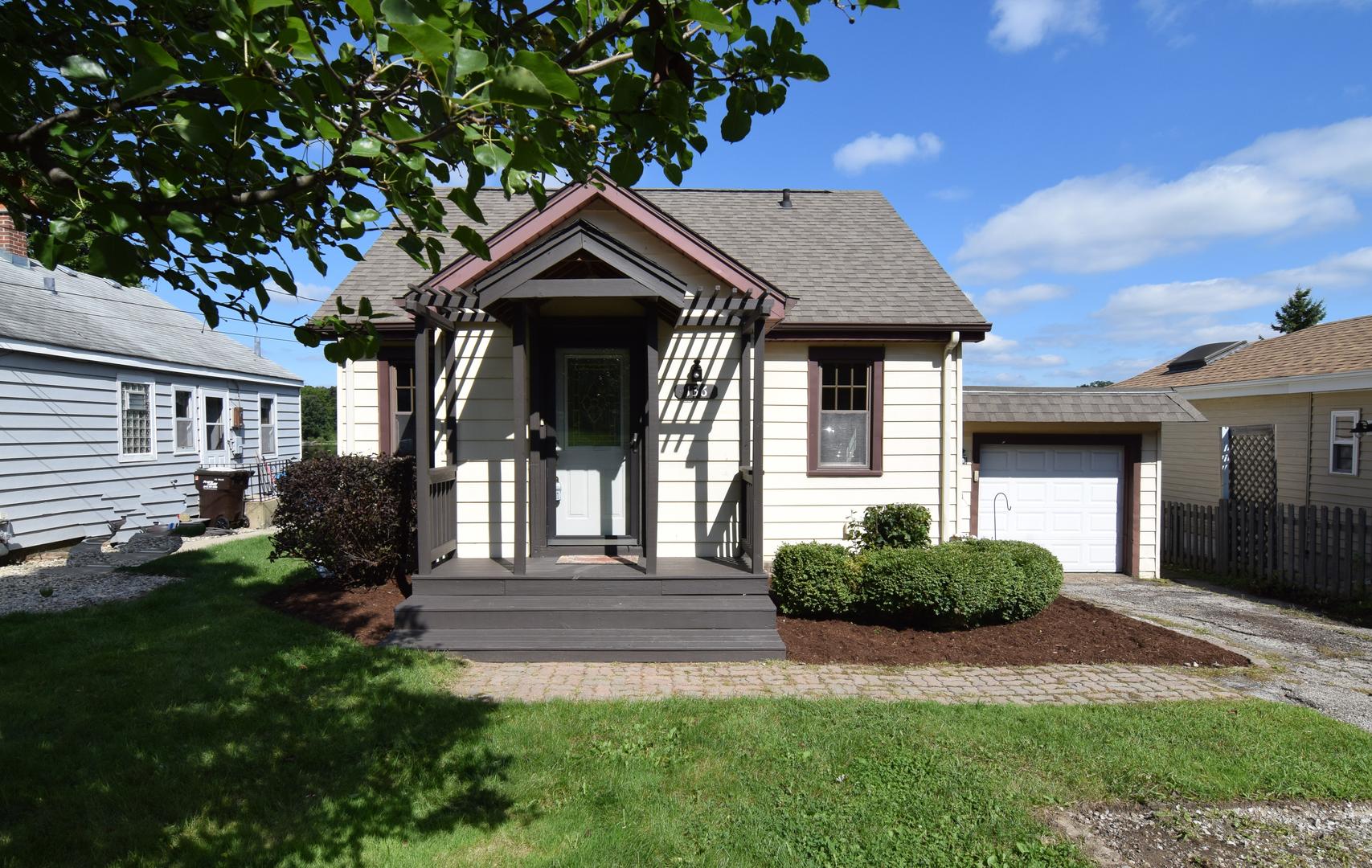 136 S Shore Drive, Island Lake, IL 60042