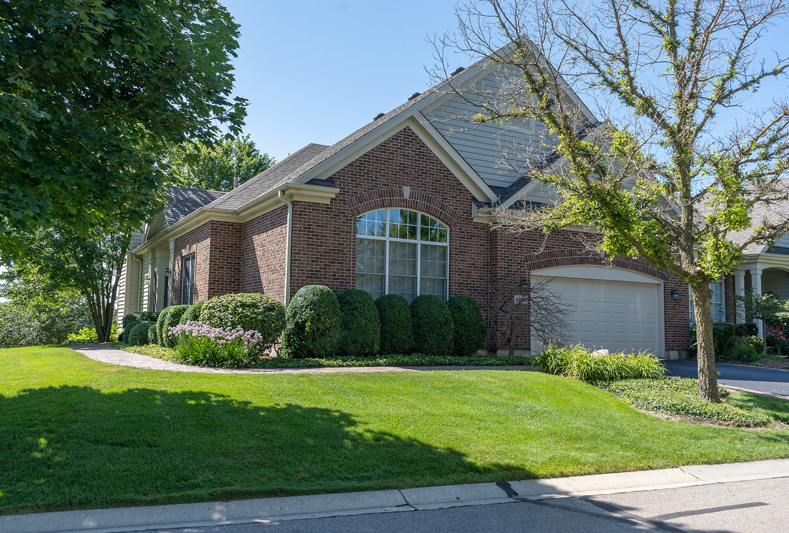 4240 Coyote Lakes Circle W, Lake In The Hills, IL 60156