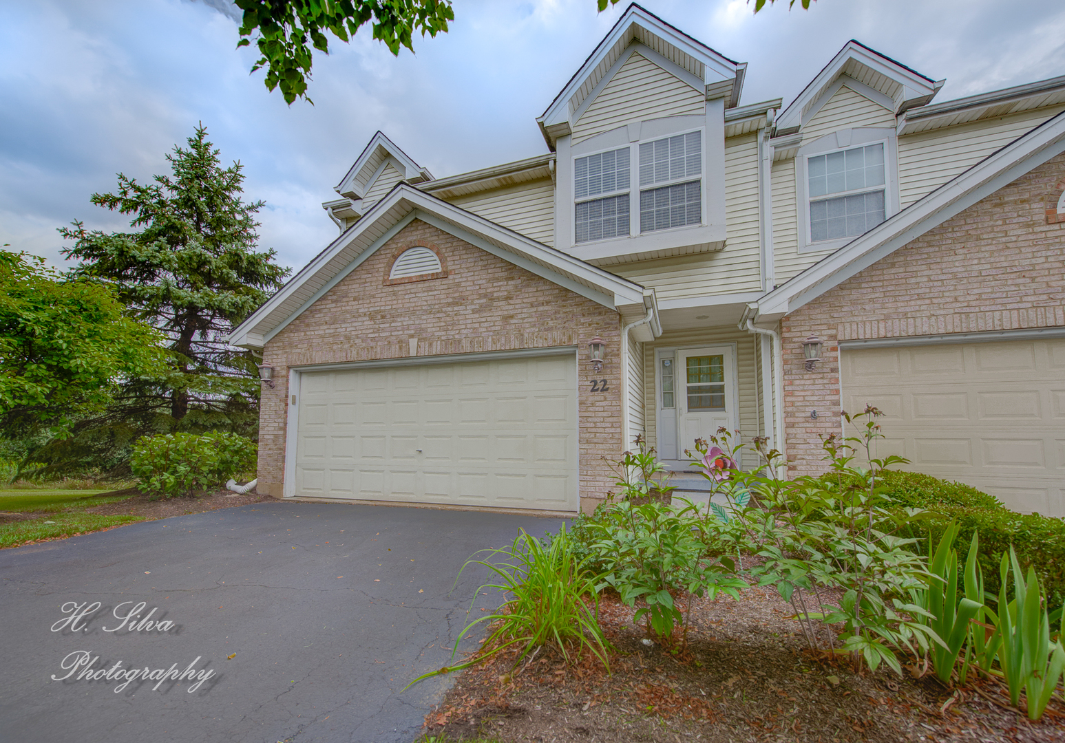 22 Sierra Court, Lake In The Hills, IL 60156
