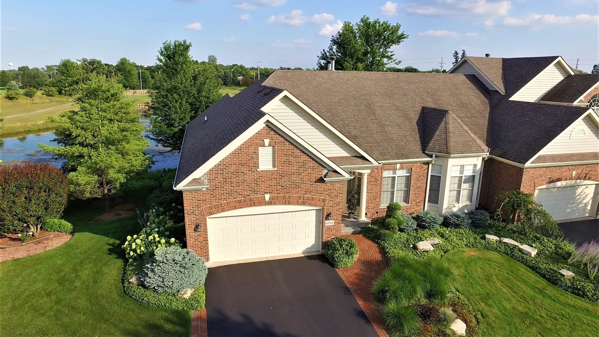 4735 Coyote Lakes Circle, Lake In The Hills, IL 60156