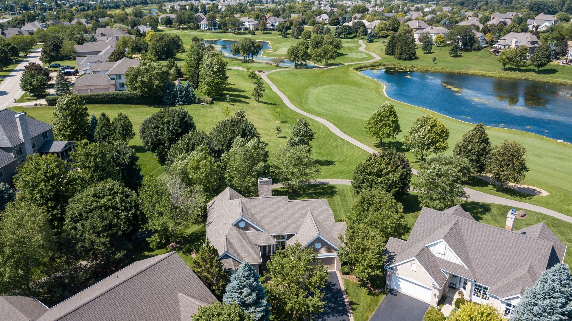 6 Spyglass Court, Lake In The Hills, IL 60156