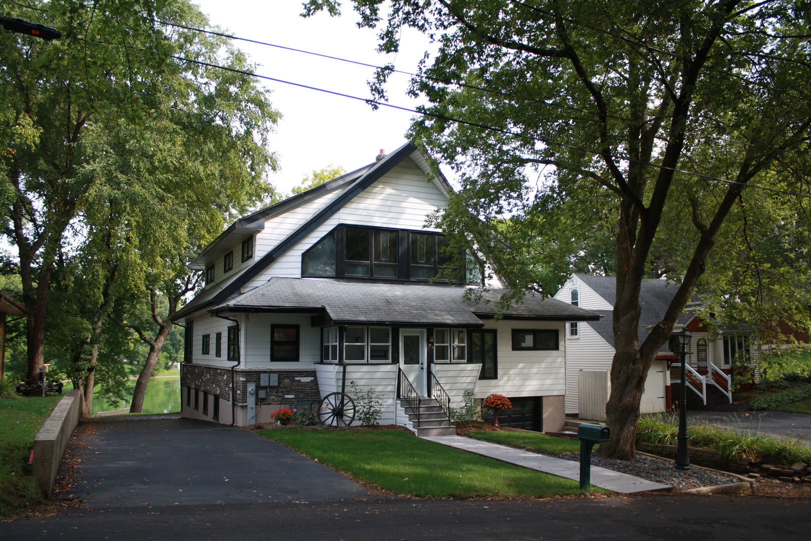 108 Highland Court, Island Lake, IL 60042