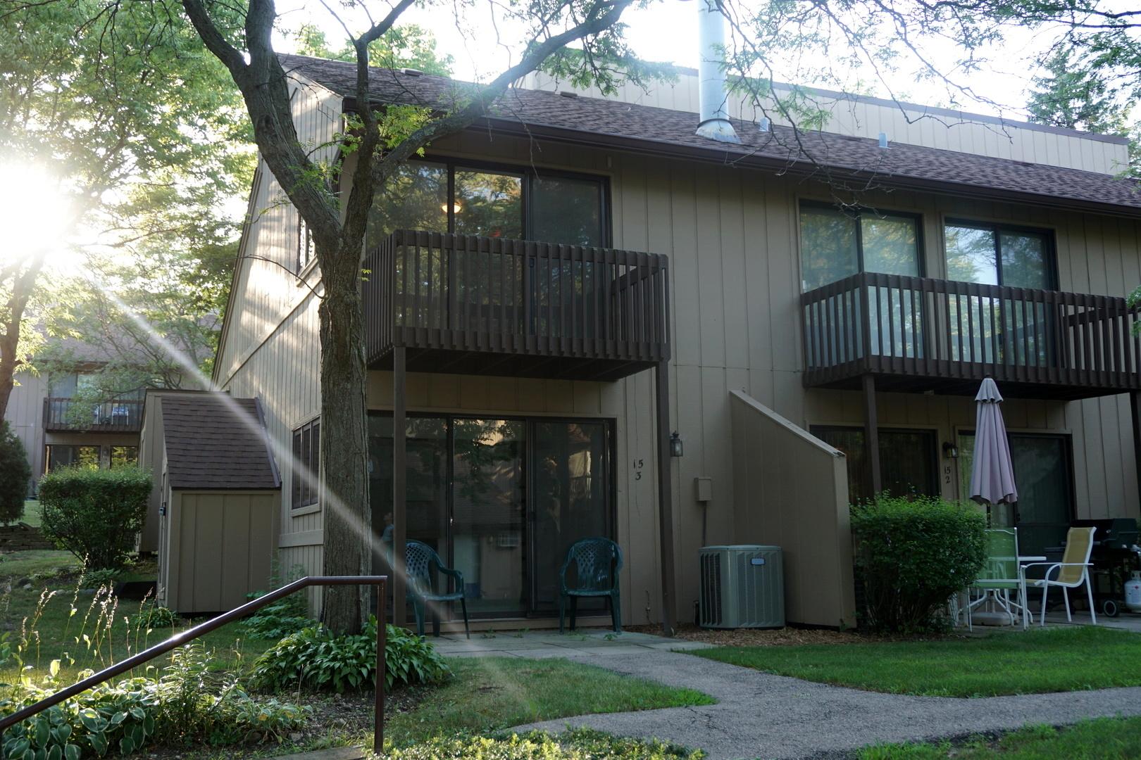 15 St Thomas Colony Street, Fox Lake, IL 60020