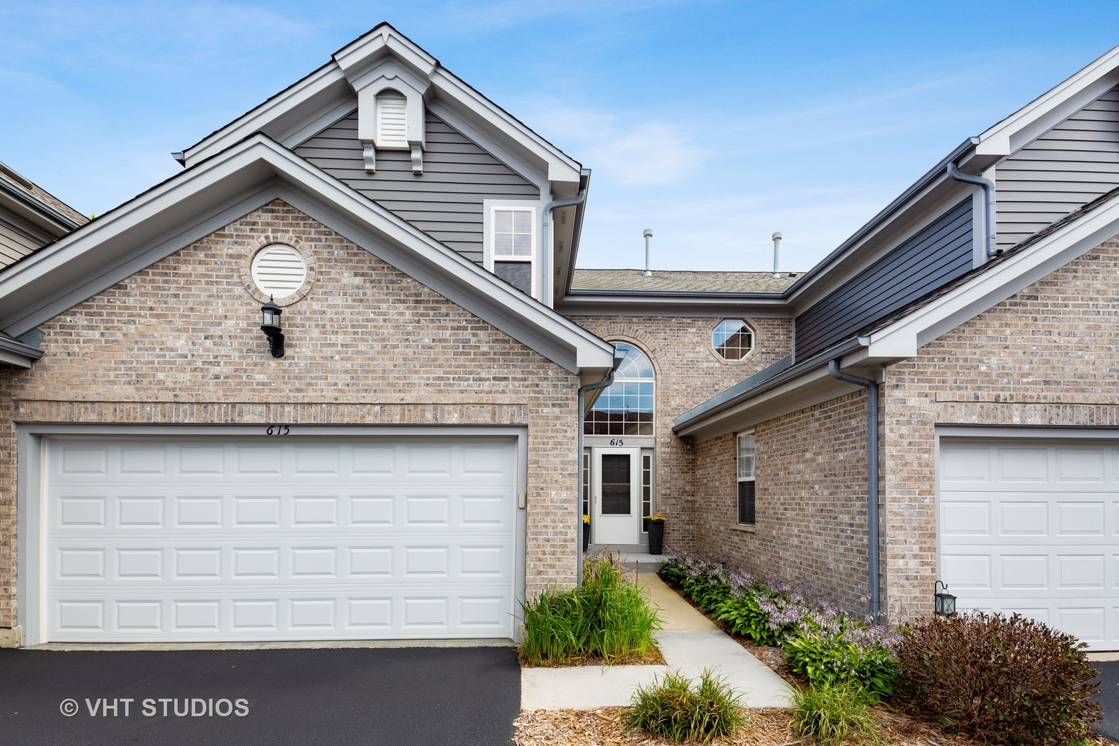 615 Kresswood Drive, Mchenry, IL 60050