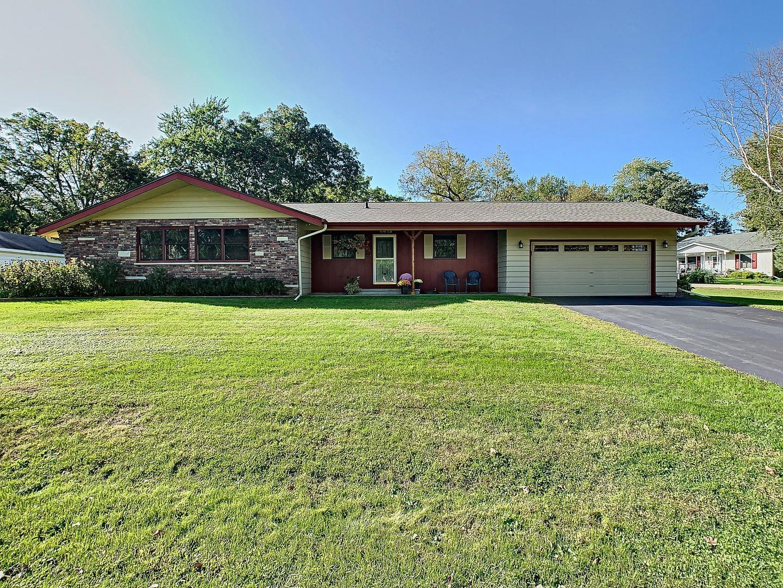 4413 Wildwood Drive, Crystal Lake, IL 60014