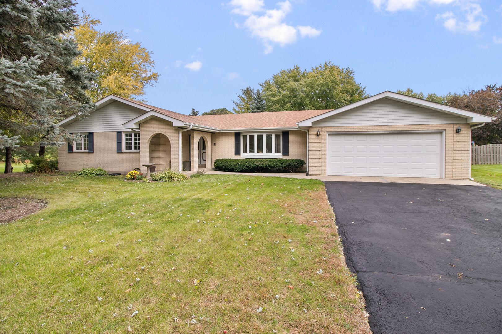 1514 Palamino Drive, Mchenry, IL 60051