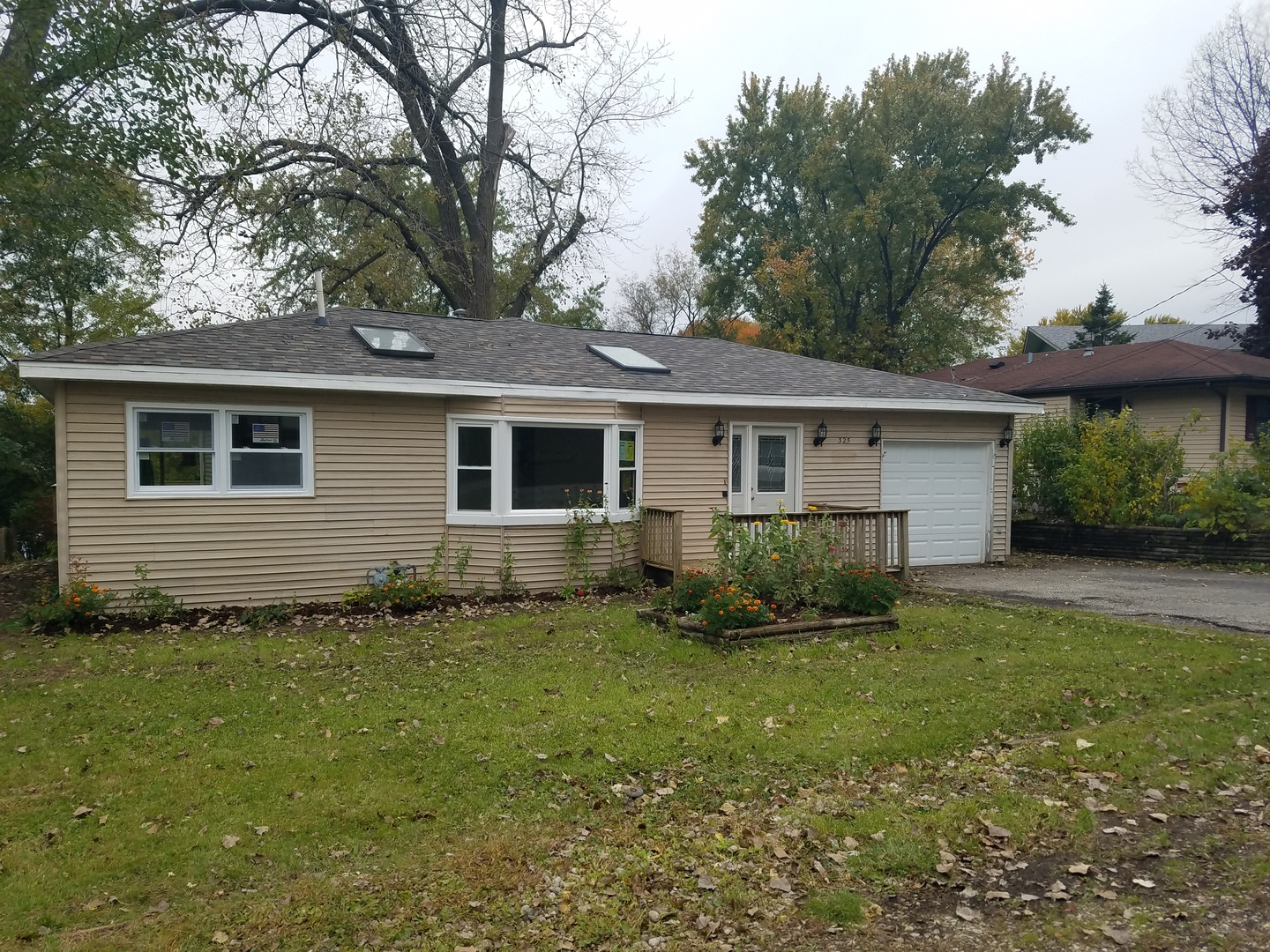 325 Council Trail, Lake In The Hills, IL 60156