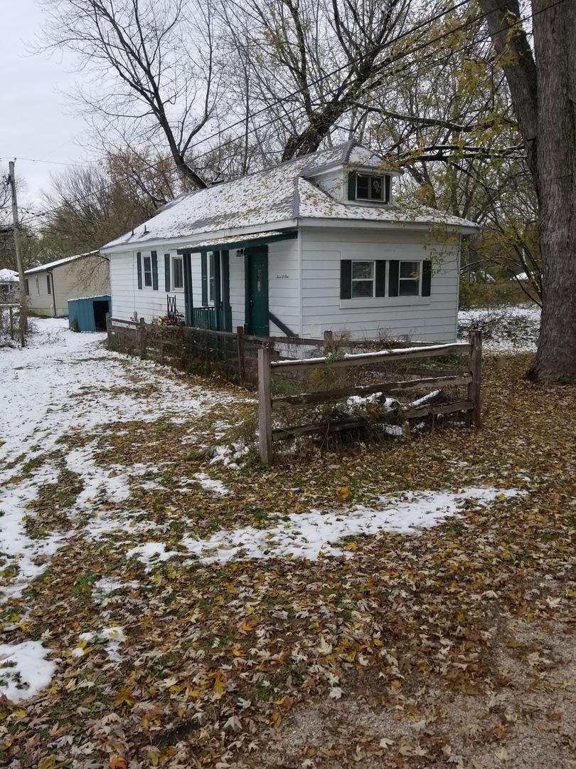 301 Rosedale Drive, Lakemoor, IL 60051