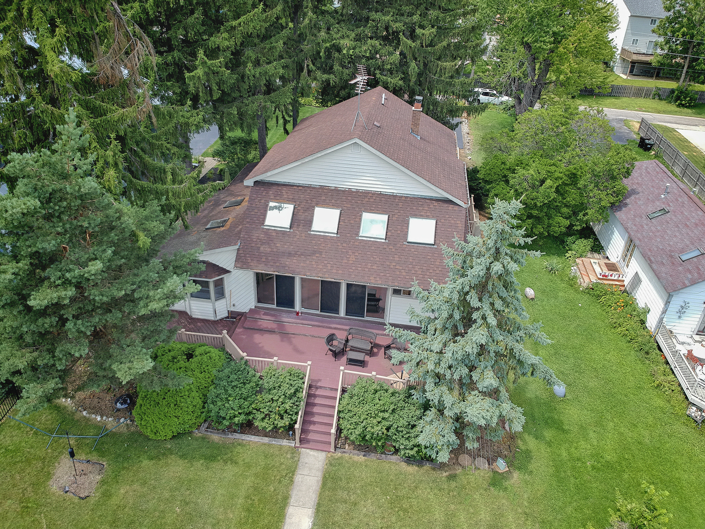 1902 Orchard Beach Road, Mchenry, IL 60050