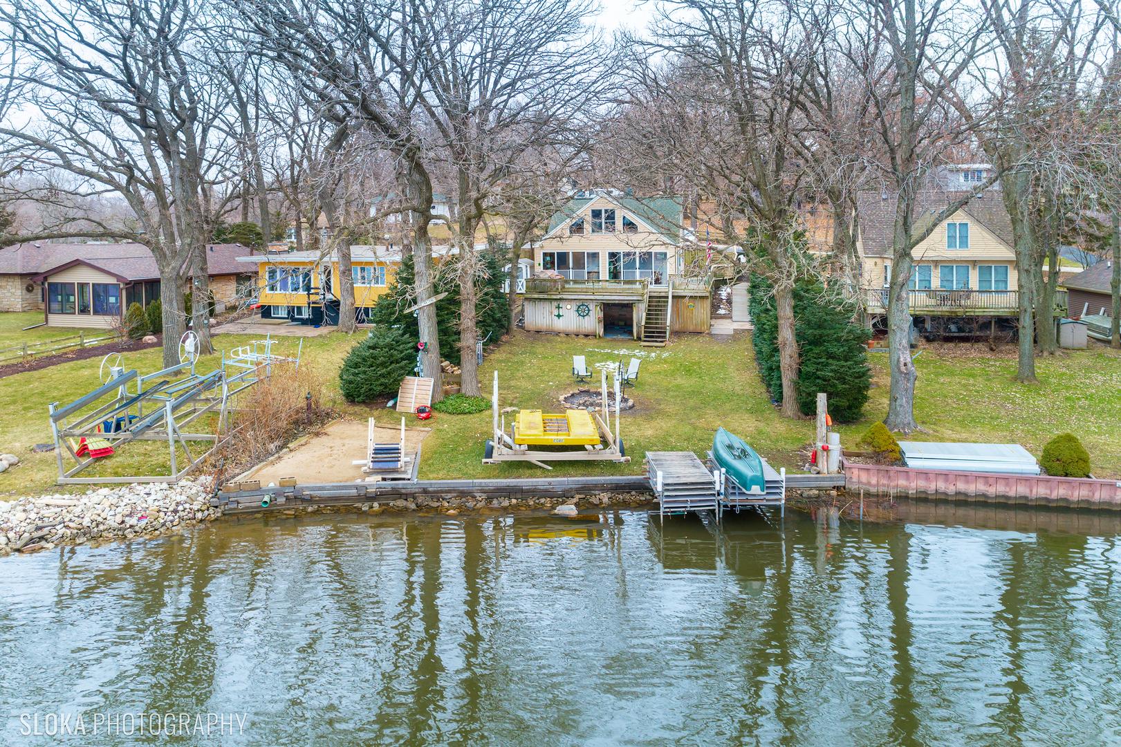 3803 E Lake Shore Drive, Wonder Lake, IL 60097