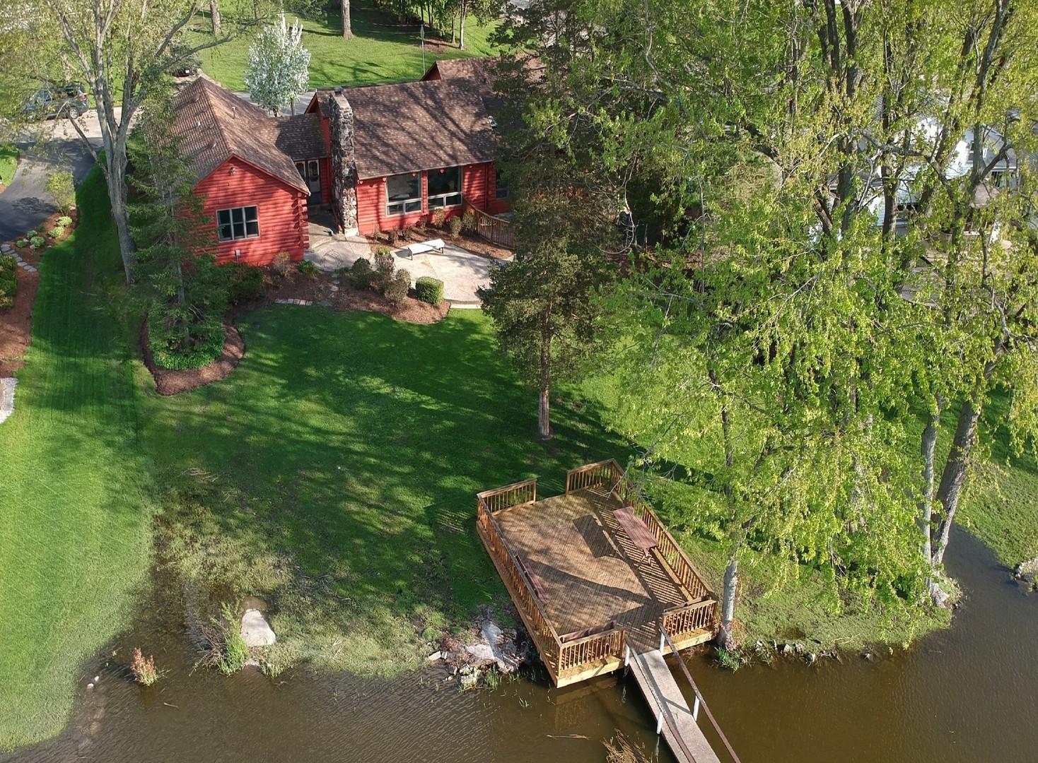 1102 Bayview Court, Fox River Grove, IL 60021