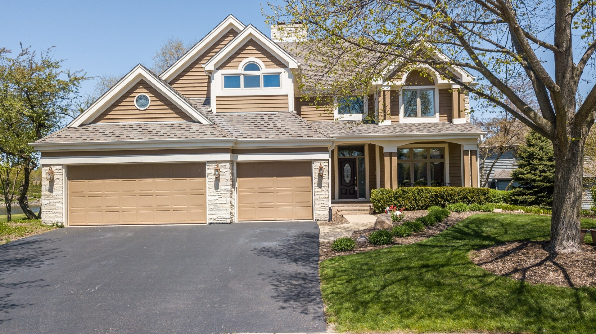7 Pebble Beach Court, Lake In The Hills, IL 60156