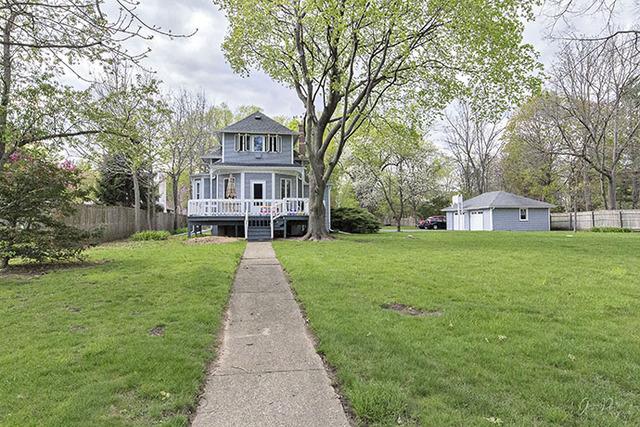 1642 N Riverside Drive, Mchenry, IL 60050
