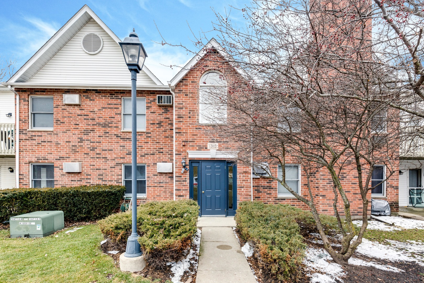 1315 Cunat Court, Lake In The Hills, IL 60156