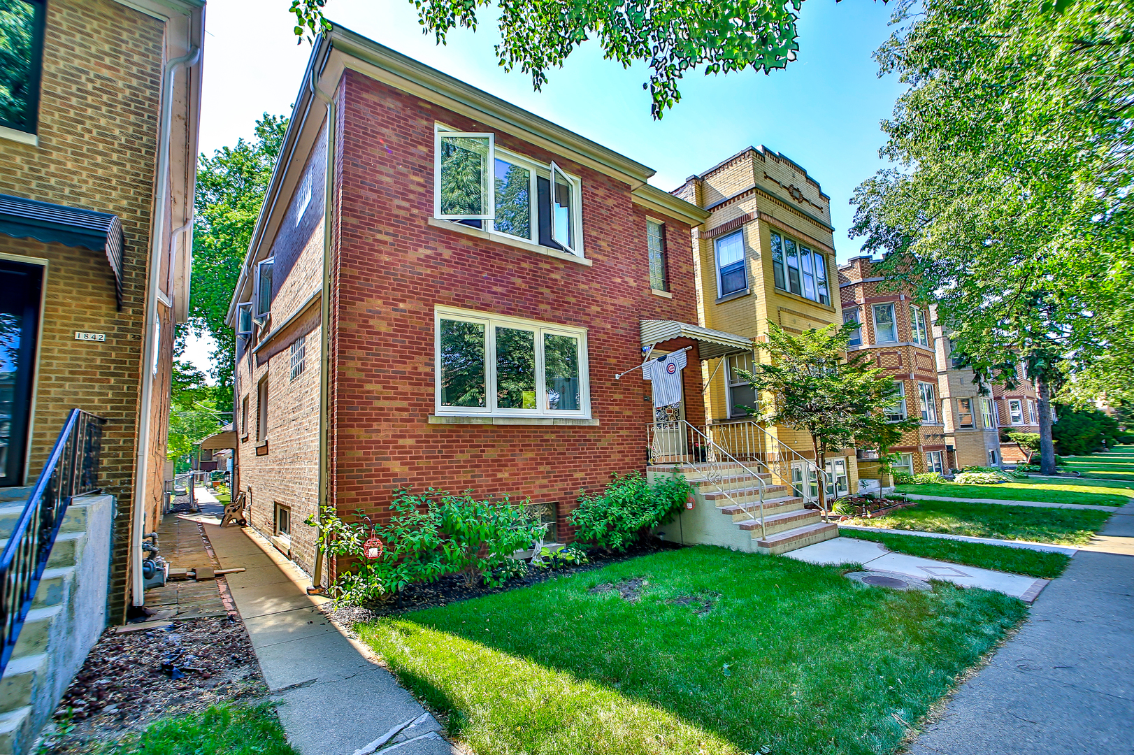 1840 Home Avenue, Berwyn, IL 60402